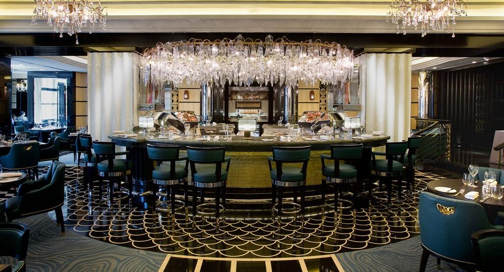 12 Most Stunning Bar Café Interiors That Will Amaze You