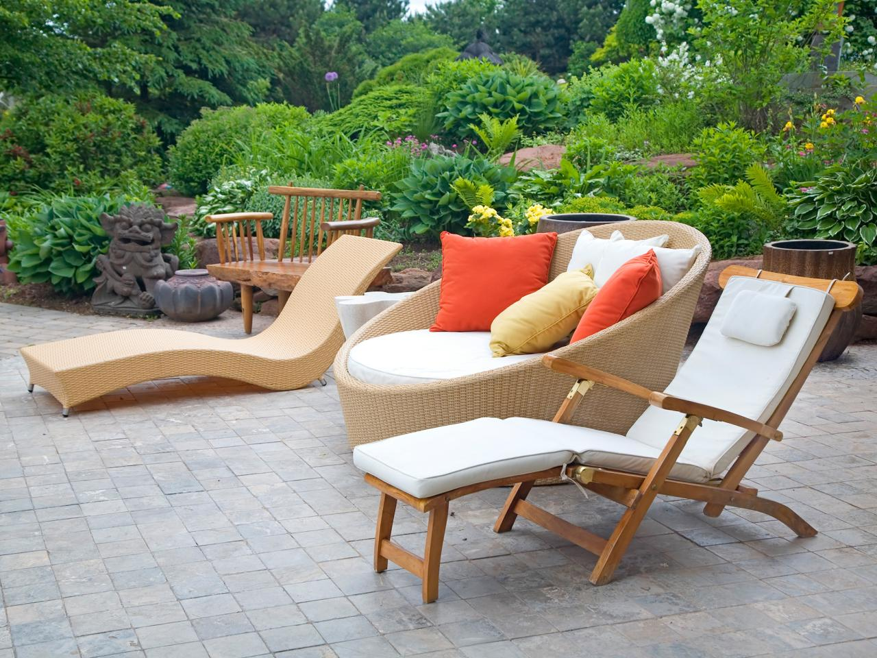 Outdoor Chaise Lounges at IDUS Furniture Store