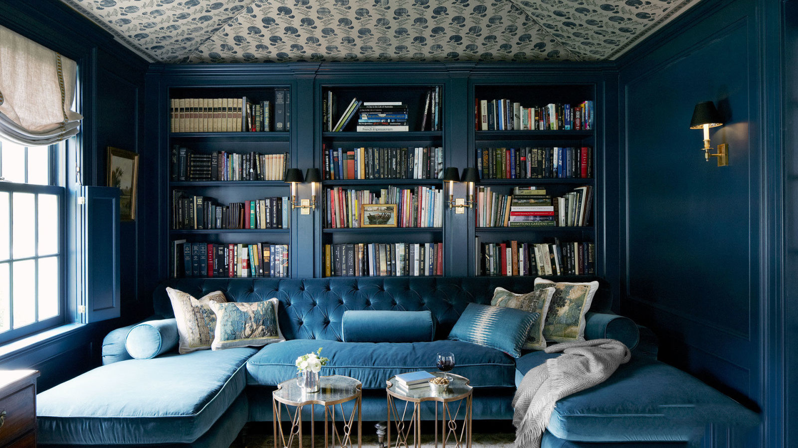 A look inside: House with a Library
