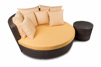 Coral Lounger with Side Table